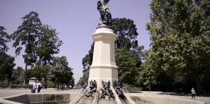 Fuente del Ángel Caído en el parque del Retiro
